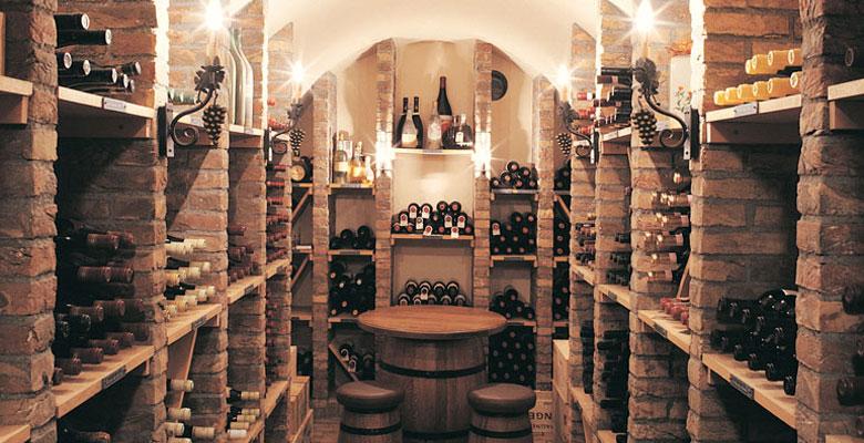 Botellas en en la parte superior paradas iluminaci n en Www builder